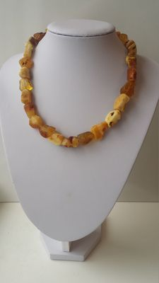 Vintage 100% genuine Baltic amber Butterscotch necklace, weight 41 gr