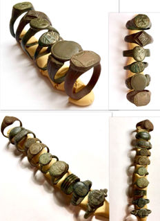 Collection of 16 intact and decorated Ancient Roman and Medieval bronze rings / 14-24 mm (16)