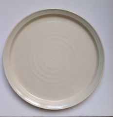 Leen Quist - Ceramic plate with coloured edge
