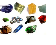 Lot if various mineral gems - 641.05 ct. 136.08 grams
