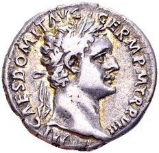 Roman Empire – Silver Denarius of emperor Domitian (81-96 AD), minted in Rome 88/89 AD.