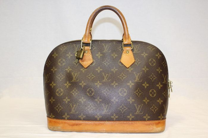 Louis Vuitton – Alma Hand Bag with original LV padlock and one key, dust bag 3cbcfd2fc16