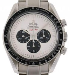 Omega Speedmaster Apollo 11, 35th anniversary, limited edition, vintage, year 2005.