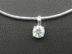 Solitaire pendant with diamond