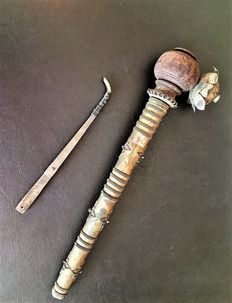 Pipe for Smoking Opium and Tool to Engrave the Mature Pods of Opium - Golden Triangle - Thailand - 1900/1915
