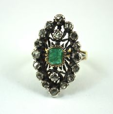 Ring in 14 kt gold – Emerald – L–I2 diamonds – 1950 style