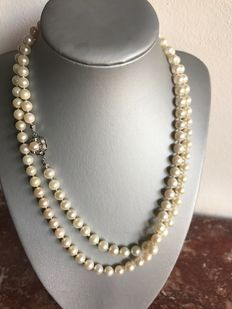 Akoya pearl necklace – Pearls approx. 7–7.5 mm and diamonds approx. 0.12 ct
