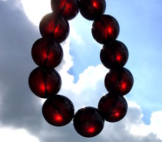 Cherry color amber bracelet, weight approx. 33.5 g