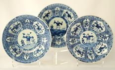 "Deep plates with ""little boys"" decoration - China - first half 18th century."