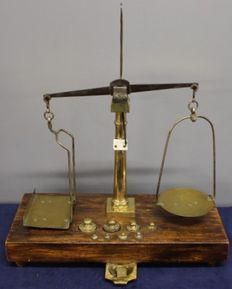 Italian fine scales complete with weights - ca. 1890