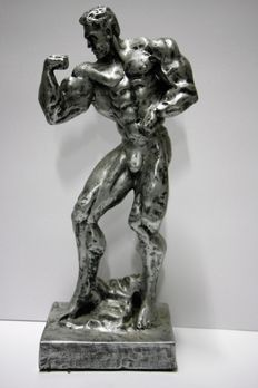 Statue; Body builder in competition pose with wide torso-21st century