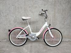 Bicycle for a little girl - brand Ferrari