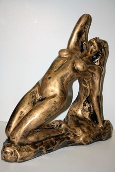 Statue; Naked young woman reclining - 21st century