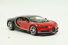 Bburago - Scale 1/18 - Bugatti Chiron 2016 - Red/Black