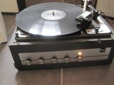 DUAL 1011 - Portable Stereo Turntable with Amplifier with 2 Speakers