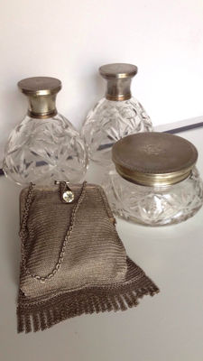 stunning art deco' silver mesh bag with faux diamond and three vanity cristal cutted bottles