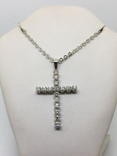 Necklace, 18 kt white gold  and cross with diamonds, 2.4 ct.