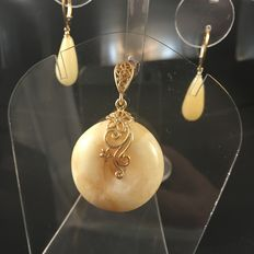 Baltic amber set gold plated, egg yolk white colour,  amulet butter colour,  with drop shaped earrings, tot. 13 grams