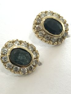 18 kt gold earrings with sapphires
