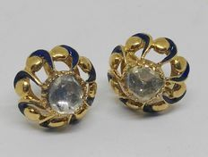 18 kt gold cufflinks/buttons for ladies and gentlemen with rose cut diamonds totalling 1.20 ct