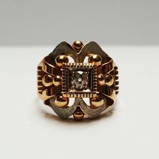 Gold antique ring of 18 kt with rose cut diamond