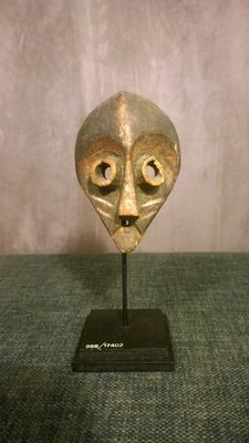 Ancient mask - Oriental PENDE - Former Belgian Congo