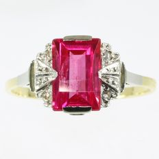 Vintage Art Deco ring with diamonds and verneuil ruby, circa 1920