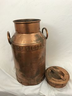 Copper milk churn - The Giessen Peursum 68 -Netherlands, approx. 1920