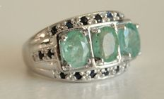 Silver ring with emeralds and sapphires - Ring size: 18 (mm)