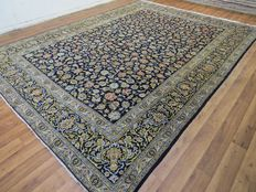 Wonderful Persian carpet, Kashan/Iran, 396 x 286 cm, end of the 20th century Great condition, mint condition, fine master knotting