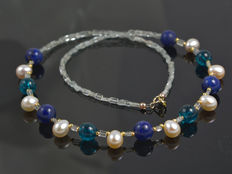 Aquamarine necklace with pearls and gemstones in 18 kt gold