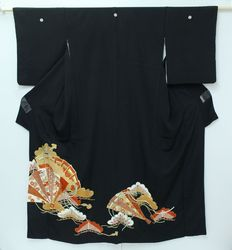 Kuro-tomesode kimono with gold embroidery - Japan- late20th century