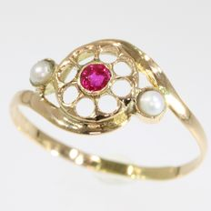 Gold ring with ruby and pearls - circa 1900 -  NO Reserve Price !!!