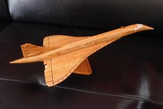 model plane made from precious wood: CONCORDE 40cm