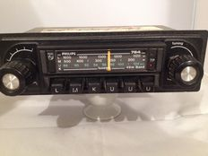 Philips 22AN 764 with LMKUUU classic car radio from the 1970s Opel, Ford, Mercedes, Volkswagen.