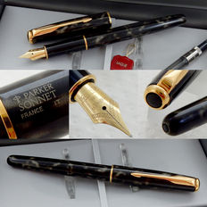Parker Sonnet Fountain Pen * Lacque Moonbeam GT * 18K-750 Fine Nib *  New Old Stock / Mint Condition