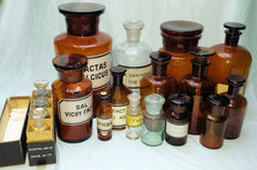 Lot of 18 old pharmacy bottles /apothecary jars