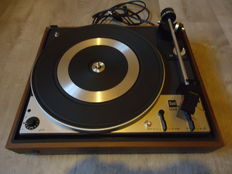 Beautiful DUAL 1224 record player