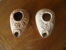 Two oil lamps from the Byzantine period - 3 x 8. x 5.5 cm
