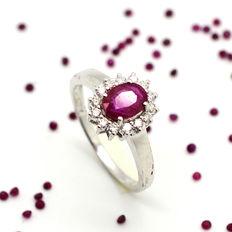 18 kt gold ring with 1.00 ct ruby and brilliant cut diamonds totalling 0.16 ct