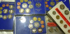Germany – 80 official wallets from the 1970s and 80s, 800 coins in total
