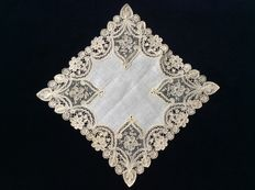 Unique Brussels duchess lace handkerchief - Belgium - circa 1900/1920