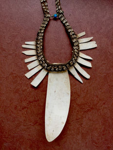Status necklace for a chief - Ndani clan - Highlands - West-Papua