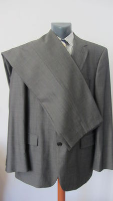 Hugo Boss – Suit