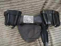 Beautiful Luftwaffe belt, with accessories WW2.