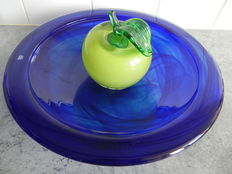 Anna Ehrner (Kosta Boda) - blue bowl with green apple