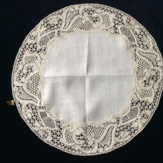 Nice round Belgian Binche lace. Around 1900
