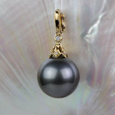 Enhancer pendant with Tahitian pearl 13.1mm and 7 diamonds 0.033 ct