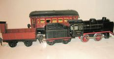Märklin, Germany - track 0 - Tin clockwork locomotive R890, tenders, freight carriage and Mitropa dining car, 30s