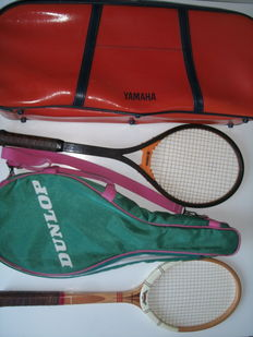 Dunlop Maxply Fort in Dunlop cover and Yamaha YFG 50 Fiberglas  in original Yahama sportbag